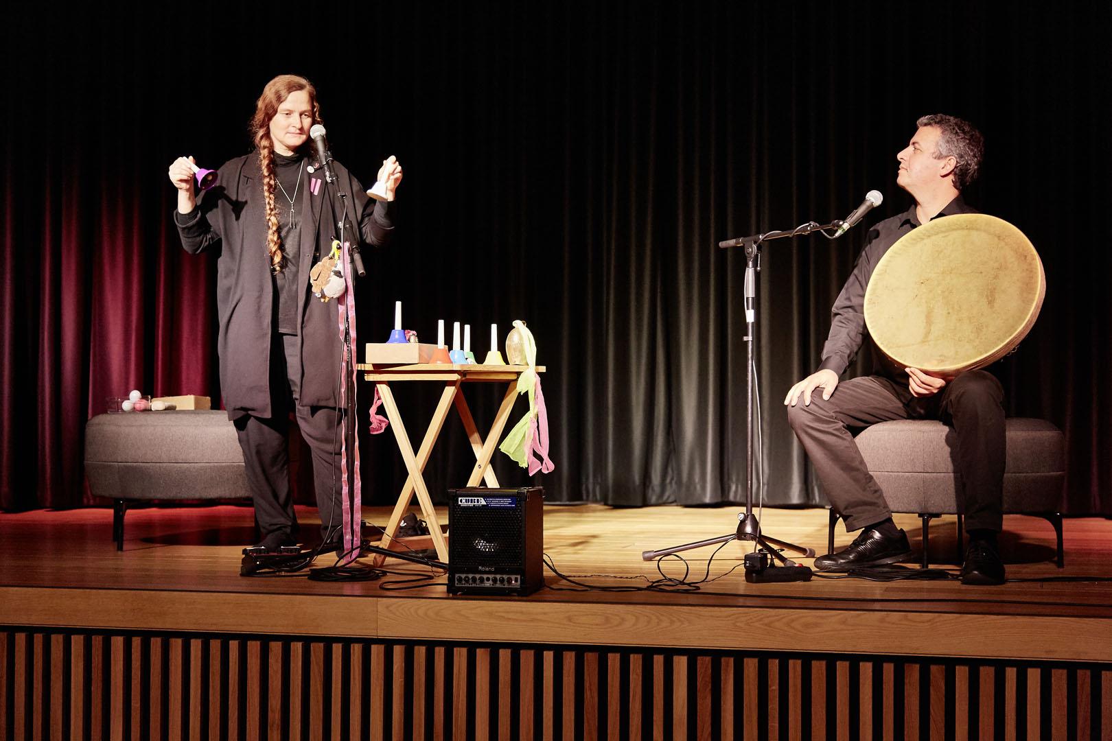 Musik: Berg und Tal Lissie Rettenwander und Hamidreza Ojaghi